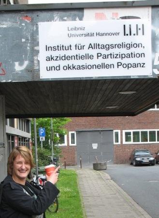 Kollegin Isabell, der Kaffee und das Popanz-Institut Hannover