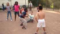 Stop-Tanz im Fußballkäfig beim VAJA-Quartiersfest am Max-Jahn-Weg in Kattenturm
